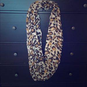 Cheetah fashion scarf